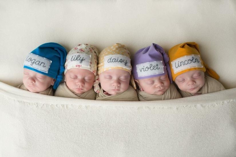 Squints: The Scott FamilyQuintuplets